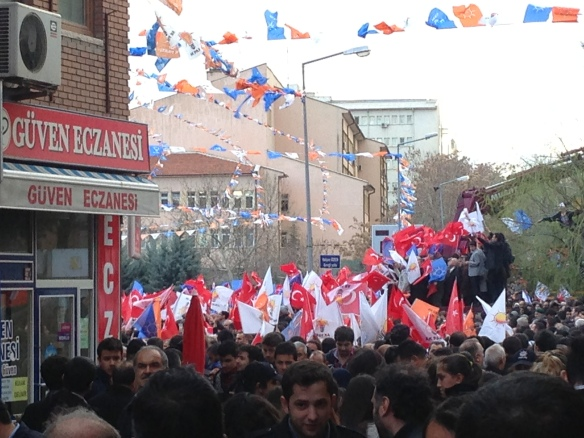 a lateral view of the gathering, from a side street that led into the city square where the speech was held. I didn't enter the 'meydan' personally.